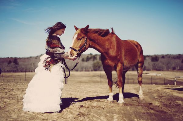 bride with horse photo session