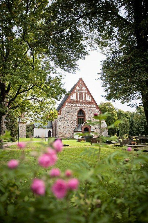 Pyhän Laurin kirkko, Vantaa. Kuva: Heidi Uutela