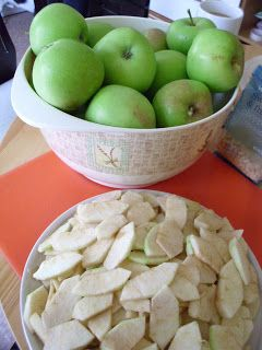 Harvesting apples and not sure what to do with them? check out our original fresh Apple Crumble