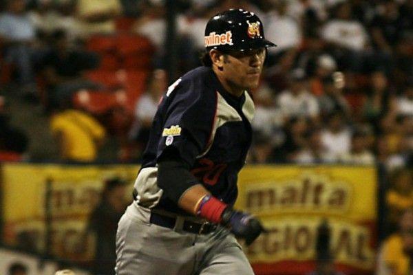 Ramón Castro anunció su retiro del béisbol profesional