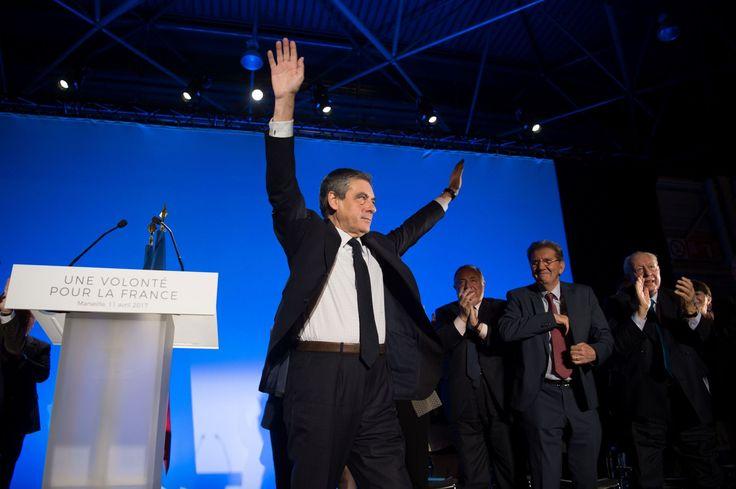 À Marseille, le candidat de la droite en appelle à de Gaulle