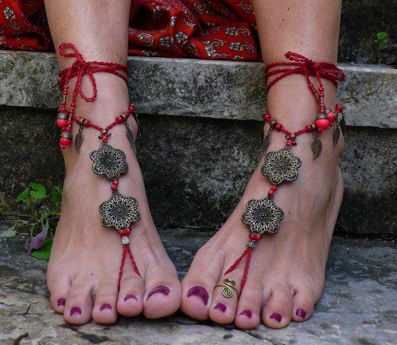 Messing Blume barfuss Sandalen dunkel rot Fuß Schmuck Hippie Sandalen Zehe Fußkette Perlen häkeln barfuß Stammes-Sandale Festival Yoga Hochzeit