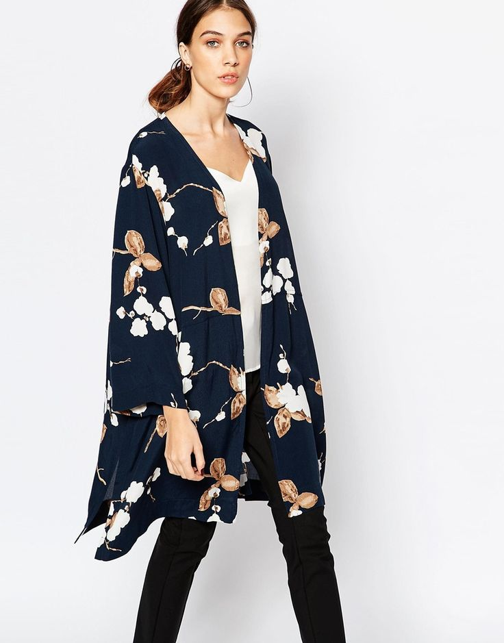 Ganni Crepe Kimono in Floral Print