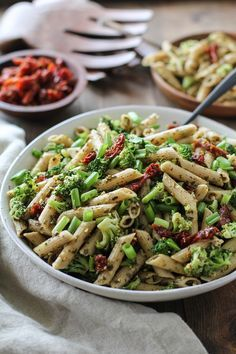 Kale Pesto Pasta Salad with Sun-Dried Tomatoes and Broccoli - a ...