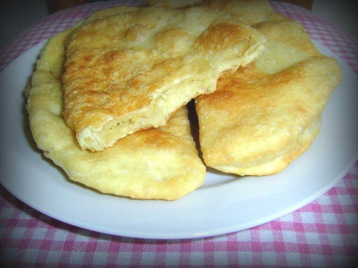 Placinte de post cu varza sau cartofi