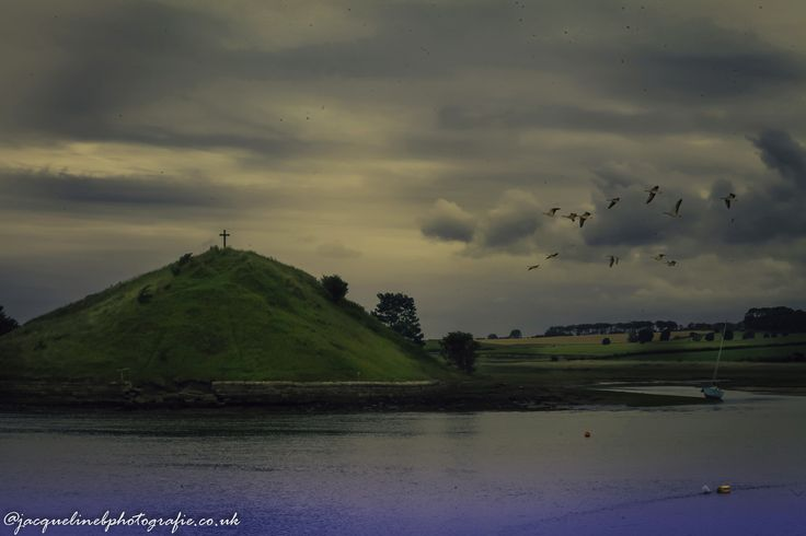 https://flic.kr/p/VezgNQ | holy places : Northumberland Alnwick. Low tide in the estuary