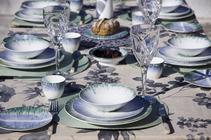 Lalala dining  beautiful #Lavender , #dining #place setting