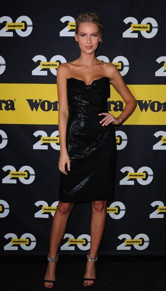 Adriana Cernanova, sublime en robe Vivienne Westwood disponible sur mybeautifuldressing.com