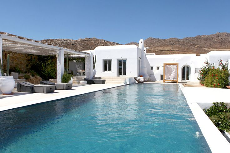 Althea is a luxury villa rental in Mykonos that offers the ultimate Greek holiday experience!