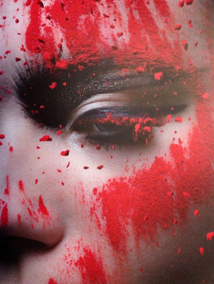 Foto: Gerrit Schreurs | Direção Criativa: Martien Mellema | Retoque: Gerrit Schreurs | Lurzer's ARCHIVE Special