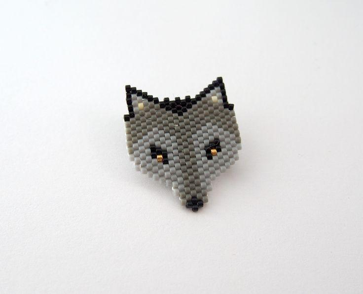 Broche Loup en perles Miyuki : Broche par lili-azalee-bijoux