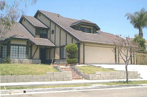 THE POLTERGEIST HOUSE A modern photo of the actual house used as the Freeling family home in the original 1982 horror classic, Poltergeist. Located in a residential section of Simi Valley, CA (Photo courtesy of Kevin Sandoval.) (This is a private home, so dont trespass and dont disturb the occupants.) Go to the following related pages: