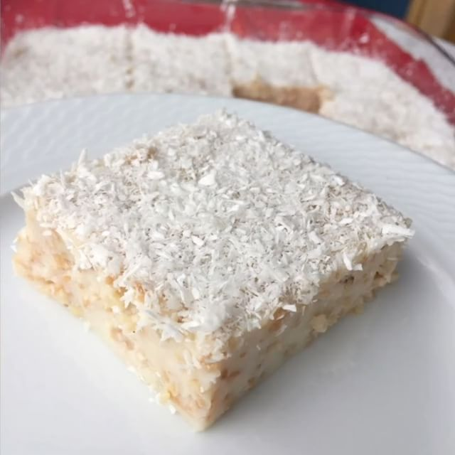 Tulumbacı Tatlısı Tarifi için Malzemeler   1 su bardağı tel şehriye  1 yemek kaşığı tereyağı  5,5 su bardağı süt  1,5 su bardağı toz şeker  4 yemek kaşığı mısır ni�