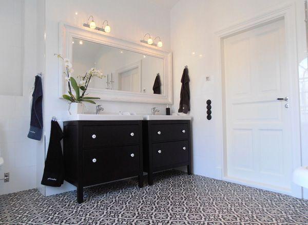 Här får ni 6 trygga och trygga tips hur ni väljer rätt våtrumsgolv till badrummet. Vad ska man välja? vem ska lägga in golvet ? ALLT finns hos inredningsvis