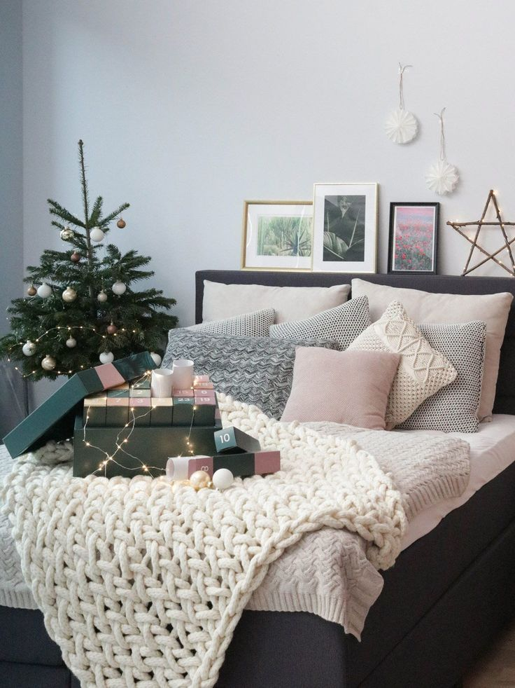 Coole Weihnachtskalender.Juniqe Adventskalender Die Perfekte Bilderwand Schlafzimmer