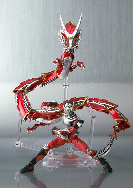 Kamen Rider Ryuki & Dragredder Set, via Flickr.