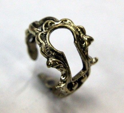ring.Keyhole Rings, Keys Hole, Fashion, Style, Keys Rings, Jewelry, Things, Accessories, Victorian Keyhole