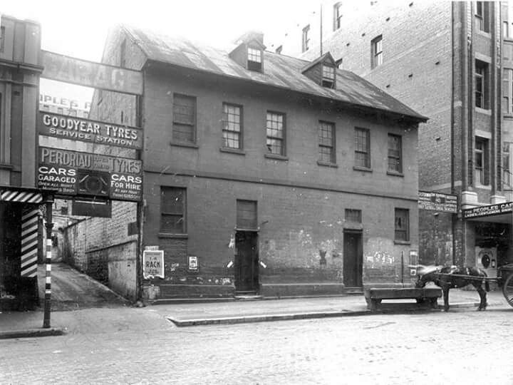 Campbell St in Sydney in 1921.Photo from City of Sydney Archives.A♥W