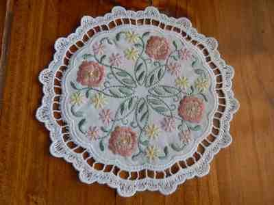 Lace coaster - Embroidery Neccesity