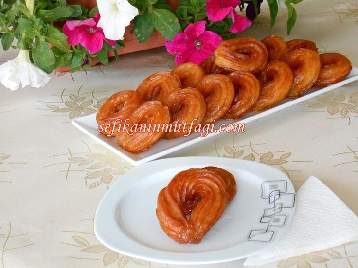 Tulumba Tatlısı  #TürkMutfağı #tulumbatatlısı #şerbetlitatlı #tatlı #tatlıtarifleri #dessert http://sefikaninmutfagi.com/tulumba-tatlisi/