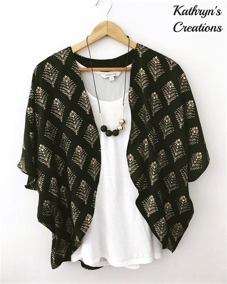 Ladies Batwing Kimono - Black and Gold Print