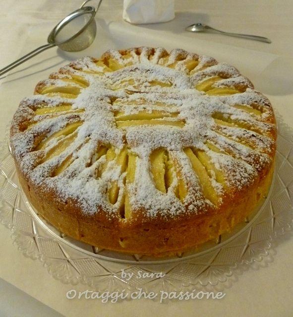 Torta di mele e mascarpone *********4 uova medie 150 g di zucchero semolato 250 g di farina 00 250 g di mascarpone 2 mele grandi per decorare il succo di  mezzo  limone 1 bustina di lievito per dolci un pizzico di sale