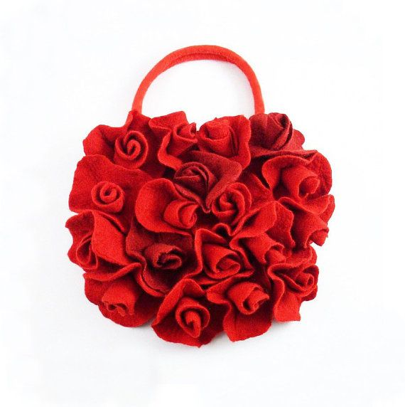 *** SOMETHING RED FOR CHRISTMAS ***  by BIJOUX LIBELLULE on Etsy