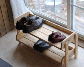 Handmade Reclaimed Wood Shoe Stand / Rack / por ReformedWood