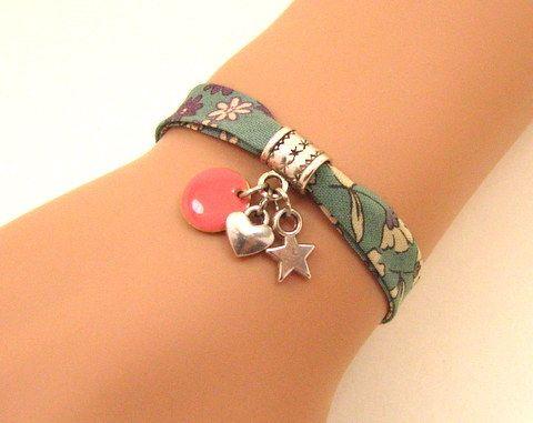 Mon bijou facile: bracelets en biais fleuri