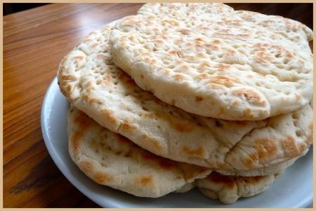 Recette pain polaire : Un pain plat venu du Nord, moelleux et pratique pour les sandwiches !