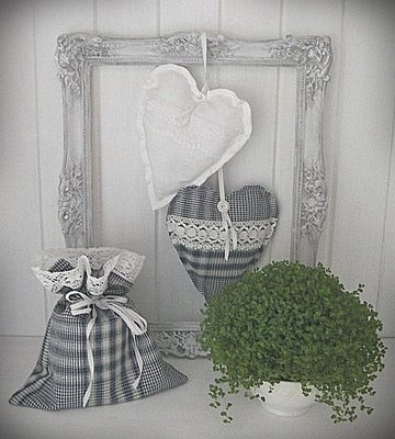 Fabric hearts and old frame.