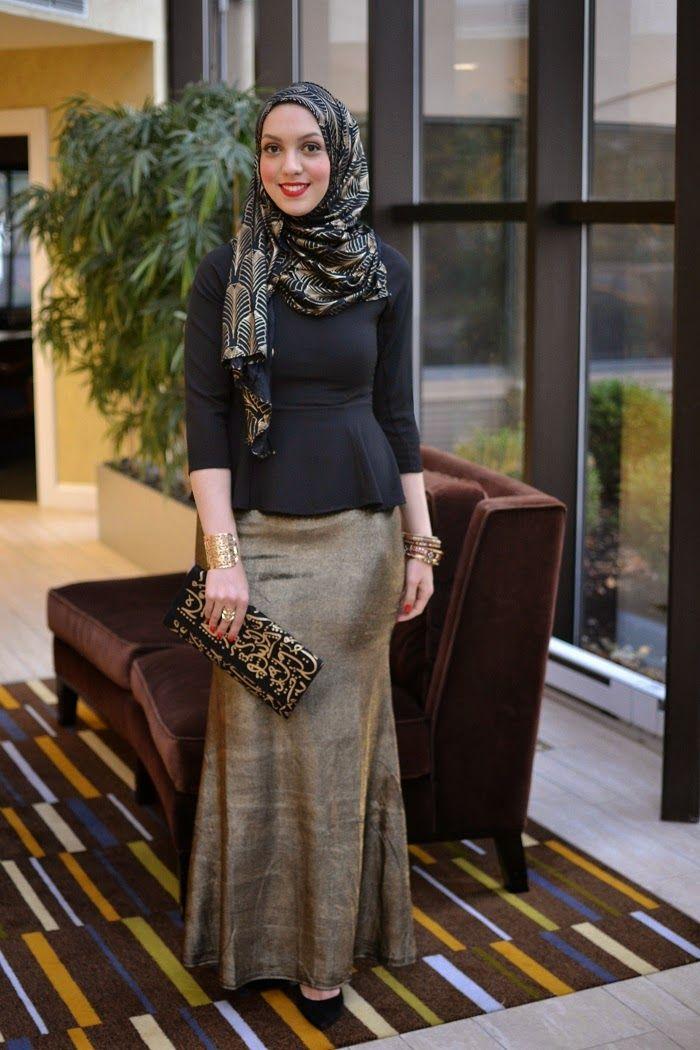 urban gold skirt, hijabi fashion, skirt and peplum top, gold and black, hani hulu