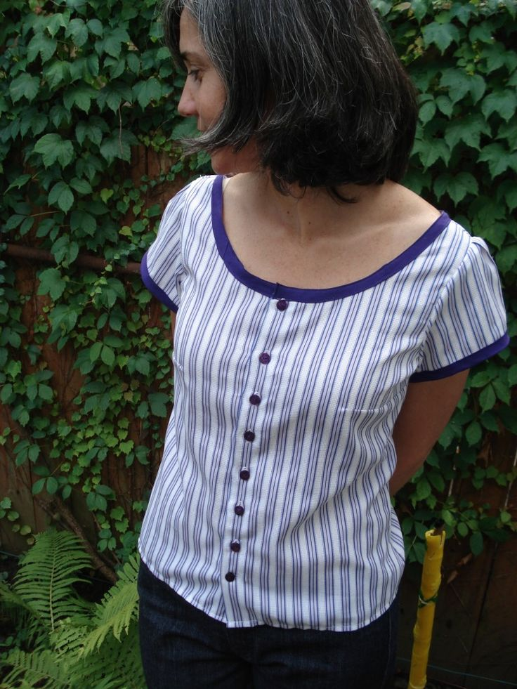 Sorbetto refashion from a men's shirt.  This is such a great idea.  John's shirts get frayed in the cuffs and collar so it would be brilliant if I could use them as shirts for me!