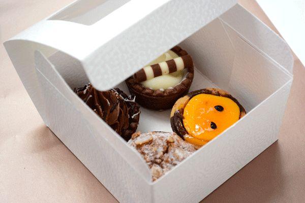 The Torta Box. #Barama #Giftpackaging #Packaging #Giftideas #Gifts #Presents #gourmetfood #treats #tarts #cupcakes #boxes #giftboxes #presents