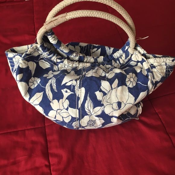 American eagle outfitters purse Blue  purse with a pretty white flowers design American Eagle Outfitters Bags Totes