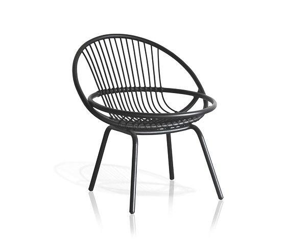 Radial Armchair Rattan | Designer: Studio Expormim | Materiaal: natuurlijk, geschilderd en getint riet | Afmetingen: 740 x 670 x 790 mm | Prijs: €440,44 | Door de rieten stangen van de stoel krijgt het een mooie ronding, waardoor het er heel industrieel maar toch ook modieus oogt | https://www.domesticoshop.com/marcas/expormim/sillon-radial-rattan.html?___store=english&___from_store=default