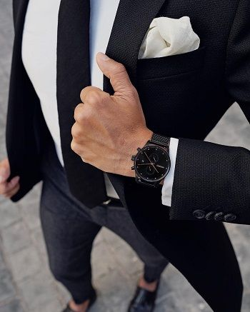 Even if the suit rental place recommended it for your senior prom back in the day, your pocket square isn't supposed to match your tie. You want matched colors but contrasting – yet complementary – patterns.