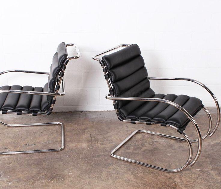 Cadeira MR, Ludwig Mies van der Rohe, 1927.   Inspirado pelas linhas de roqueiros de ferro tubulares projetados na Europa durante o século 19, Mies incorporou um material novo e uma nova tecnologia no uso do princípio de cantiléver. A coleção MR de móveis de sala de aço tubular inclui as Cadeiras MR, e Chaise.