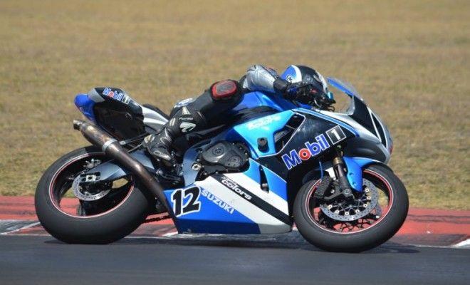 Mobil1 también patrocina equipos de motociclismo.