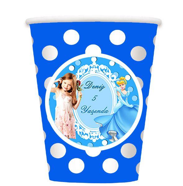 Cinderella Birthday Party SİNDİRELLA KİŞİYE ÖZEL BARDAK: Sindirella Temalı Doğum Gününüzde içecek servisini, kullan at karton bardaklar ile seri bir şekilde gerçekleştirebilirsiniz.  16 adet gönderilmektedir.