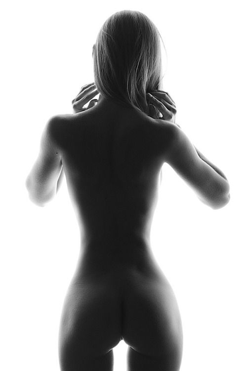 hot-naked-black-and-white-sexy-naked-art-female-nude-holiday