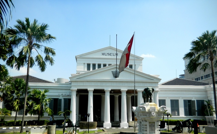 The National Museum of Indonesia (Museum Nasional), is an archeological, historical, ethnological, and geographical museum located in Jalan Medan Merdeka Barat, Central Jakarta, right on the west side of Merdeka Square.  http://www.goindonesia.com/id/indonesia/jawa/jakarta/seni_budaya/museum_jakarta/museum_nasional