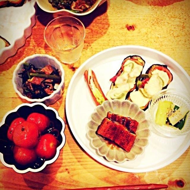 ナスのピザ、ウインナー、鰻蒲焼、豚バラ焼肉タレ炒め、トマトマリネ、きゅうり中華漬け - 18件のもぐもぐ - 晩ご飯、居酒屋スタイル。 by megu111