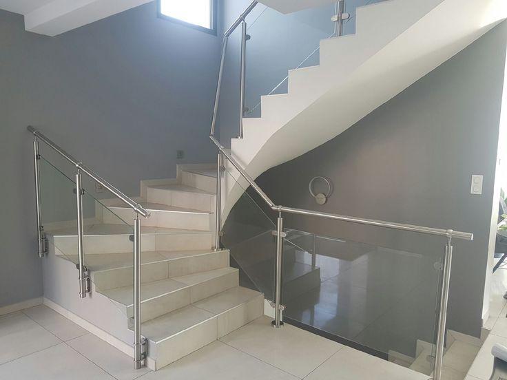 les 25 meilleures id es de la cat gorie balustrade inox sur pinterest rampe escalier inox. Black Bedroom Furniture Sets. Home Design Ideas