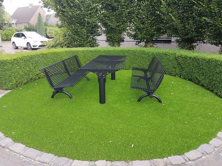 Onze picknicktafel en parkbanken model Rest. Italiaans design op zijn mooist!