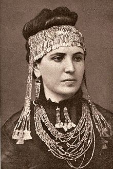 Sophia #Schliemann, wearing the jewellery her husband excavated at #Troy.