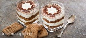 Leuk als sinterklaasrecept of kerstrecept: tiramisu met laagjes room zonder ei en speculaas gedoopt in koffie