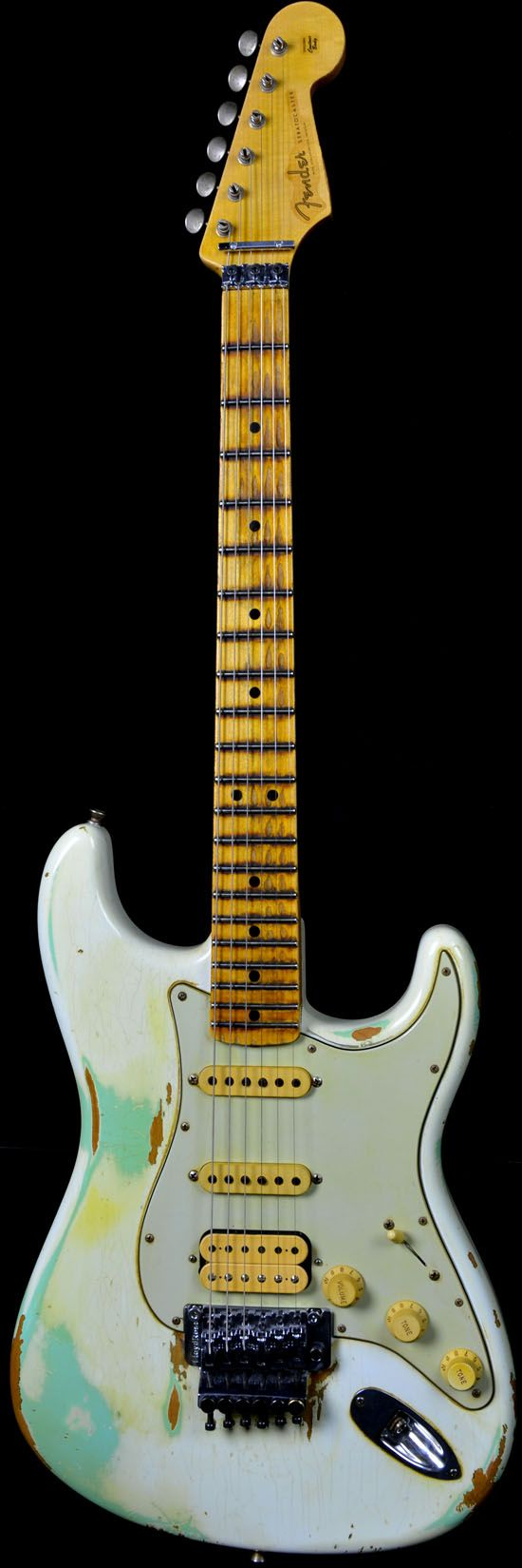 Fender 1960 Stratocaster White Lightning: My guitare! (no greenish paint on mine, though. Very vintage too. Though:)