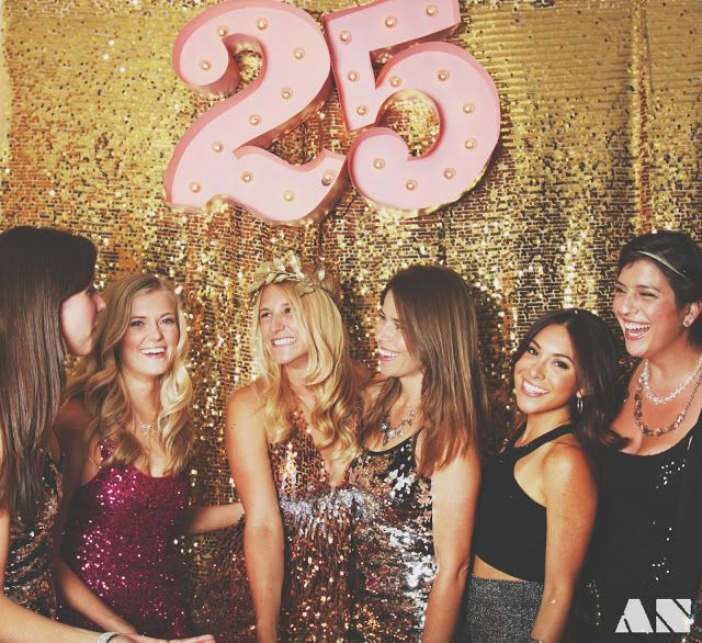 THE PERFECT DIY BDAY PARTY!  Glitterfest: A Glittery Golden 25th Birthday Party