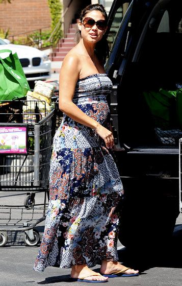 Vanessa Minnillo's Maternity Style: April 7, 2012